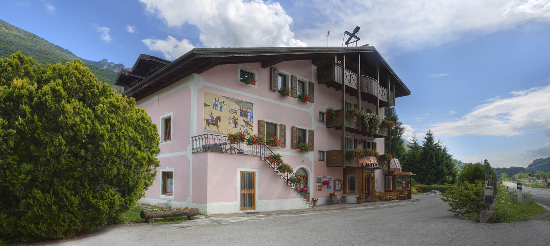 Hotel con piscina Valle del Chiese - Hotel Aurora